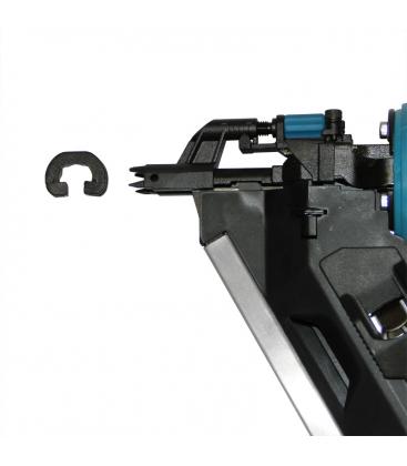 Ствол гвоздезабивателя с шипами позволяет надежно фиксировать инструмент на поверхности и забивать гвозди под углом